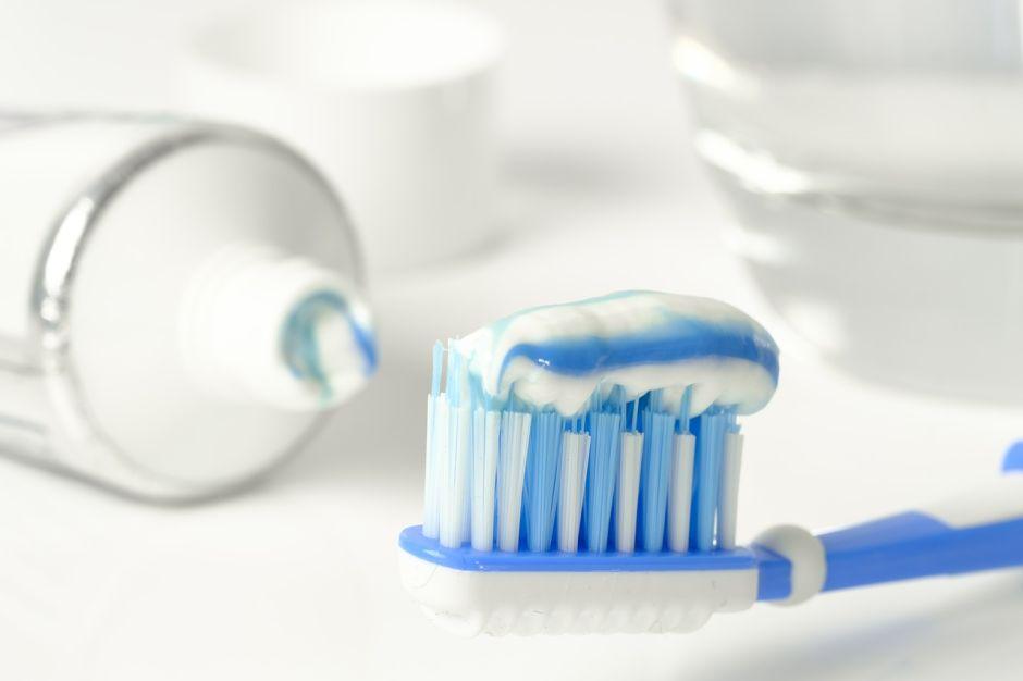 toothpaste-3067569_1280