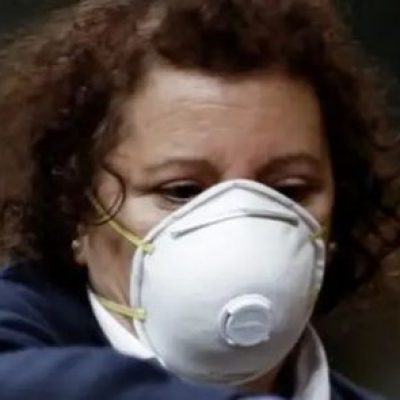 """Las limpiadoras: """"Heroínas invisibles en los hospitales"""""""