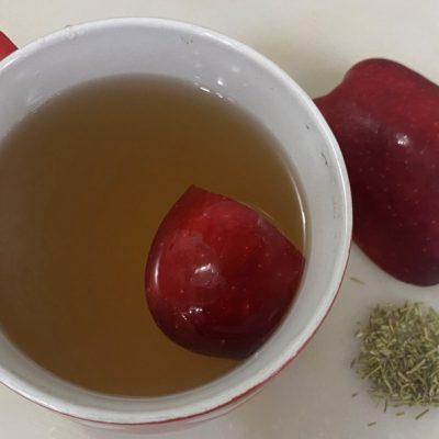 Hervir la manzana con romero y tendrá una gran sorpresa con el resultado.
