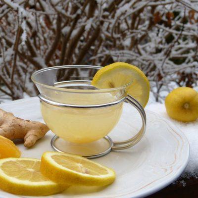 Hervir limones y beber agua al despertar, es un remedio que trata todo lo que está mal en su cuerpo