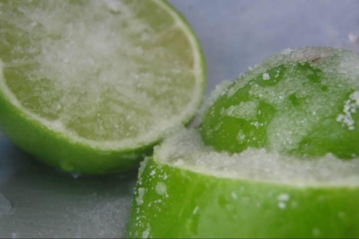 ¿Por qué la terapia con limón congelado es buena para tu salud?