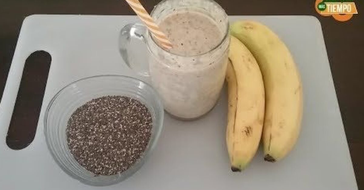 Licuado de banana , avena y chia
